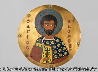 Медальон с изображением Св. Феодора. Золото, эмаль, 12 век. Музей исторических драгоценностей, Киев