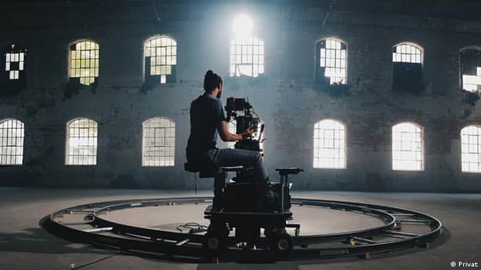 Türkischer Kameramann an einem Set in Stanbul