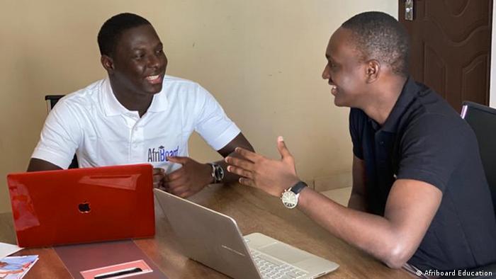 Massamba Thiam und Arona Gueye - Gründer des senegalesischen E-Learning-Start-ups Afriboard Education