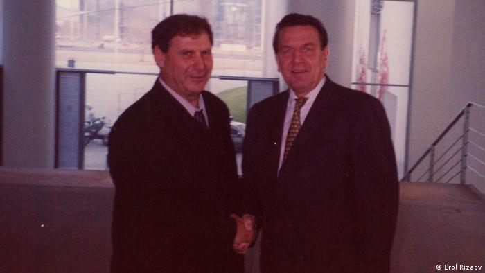 Erol Rizaov und ehem. Deutsche Kanzler Gerhard Schröder