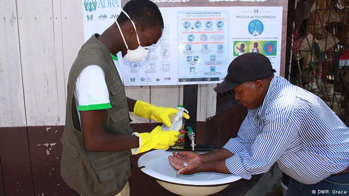 Voluntários auxiliam na prevenção da Covid-19 em São Tomé