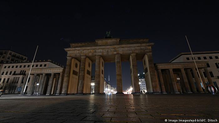 Earth Hour - Brandenburger Tor in Berlin