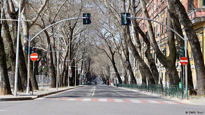 Albanien Tirana - Corona-Krise: Leere Straßen