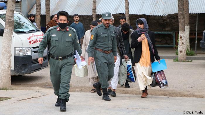 Afghanistan Herat - Coronavirus: Freilassung von 500 Gefangenen