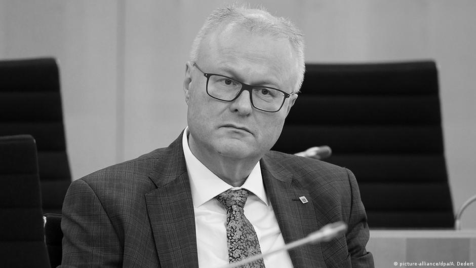 Премьер Гессена связал смерть главы Минфина с пандемией коронавируса | DW | 29.03.2020