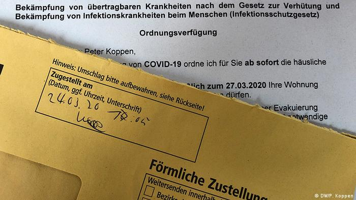 A letter from German health authorites about COVID-19 (DW/P. Koppen)