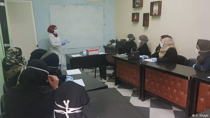 Medicinska sestra u Centru za žene u Idlibu objašnjava što treba znati o koronavirusu