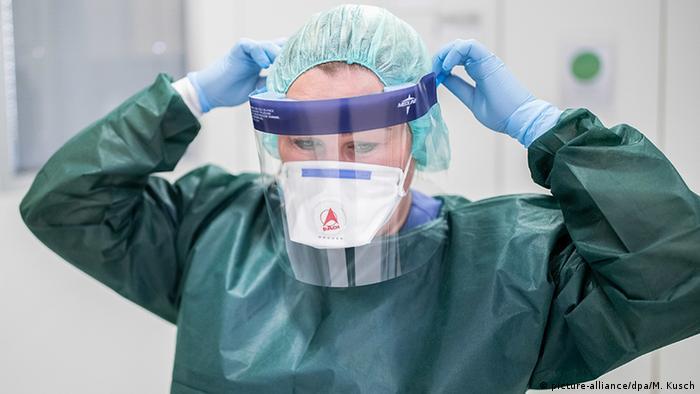 Deutschland Coronavirus Schutzkleidung (picture-alliance/dpa/M. Kusch)