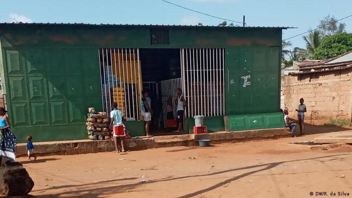 Estabelecimento comercial em Maputo, a capital de Moçambique