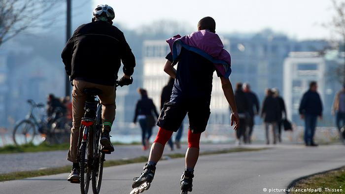 Deutschland Dortmung | Coronakrise [ Symbolbild Breitensport & Fitness (picture-alliance/dpa/B. Thissen)