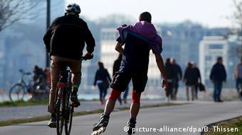 Μετακίνηση με ποδήλατο και ...πατίνια στο κέντρο του Ντόρτμουντ