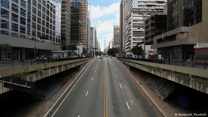 Avenida Paulista vazia devido à quarentena