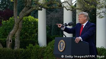 Ο πρόεδρος Τραμπ μιλά για κινέζικο ιό