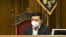 Volodymyr Zelenskiy Ukraine Kiew Parlament