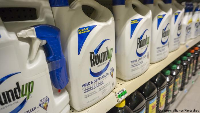 Monsanto Roundup Unkrautvernichter (picture-alliance/Photoshot)