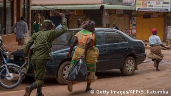 Uganda Johannesburg Coronavirus Maßnahmen Polizei