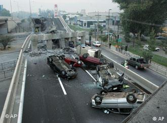 Zemljotres je srušio i brojne nadvožnjake