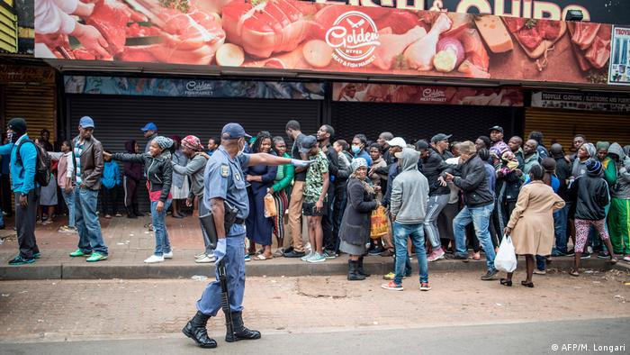 Südafrika Lockdown Ausgangssperre (AFP/M. Longari)