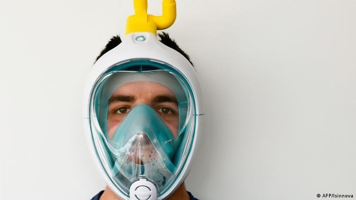 Jan sporting his ventilator snorkeling mask