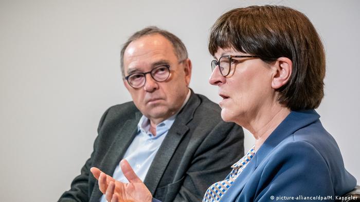 Die SPD-Vorsitzenden Saskia Esken und Norbert Walter-Borjans (Foto: picture-alliance/dpa/M. Kappeler)