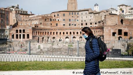 Θα ζημίωναν ή θα ωφελούσαν τα ευρωομόλογα την Ιταλία;