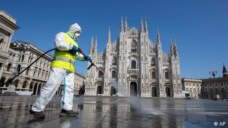 El nuevo coronavirus ya estaba presente en las aguas residuales de las ciudades de Milán y Turín, norte de Italia, en diciembre de 2019, dos meses antes de que se registrara oficialmente el primer paciente de COVID-19, indicó un estudio del Instituto Superior de Salud (ISS). El estudio examinó 40 muestras de aguas residuales recogidas entre octubre de 2019 y febrero de 2020 (19.06.2020).