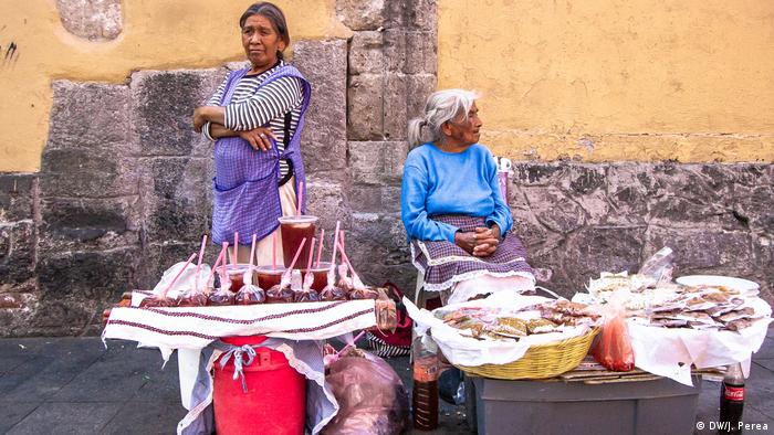 Food vendors in Mexico