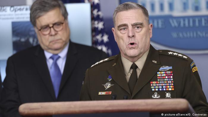 General Mark A. Milley und General William P. Barr.