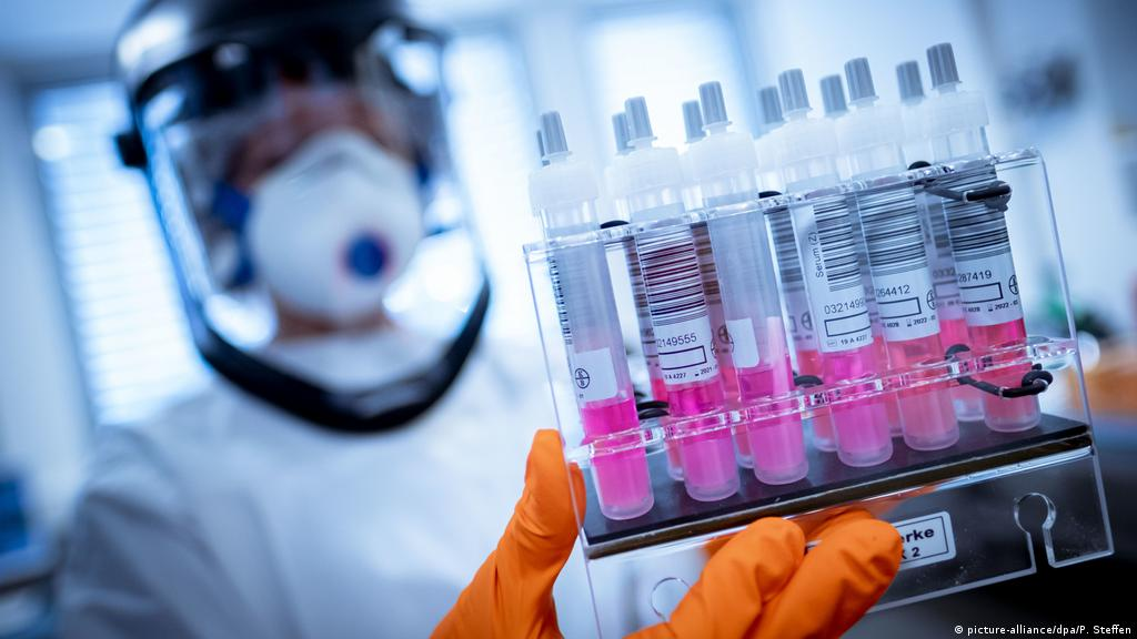 virusi creati in laborator)