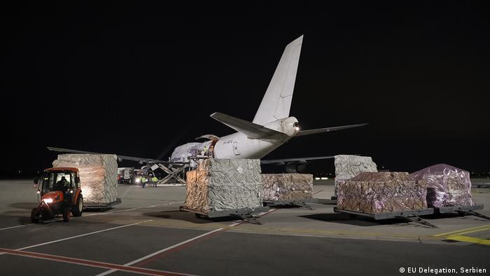 Avion sa pomoći EU nije dočekan uz kamere