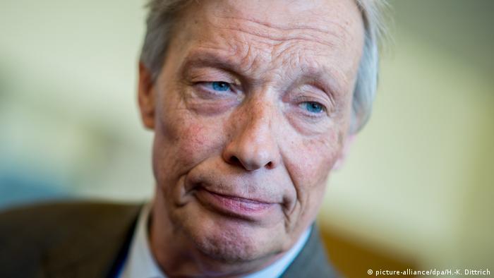 Der AfD-Politiker Armin-Paul Hampel (Foto: picture-alliance/dpa/H.-K. Dittrich)
