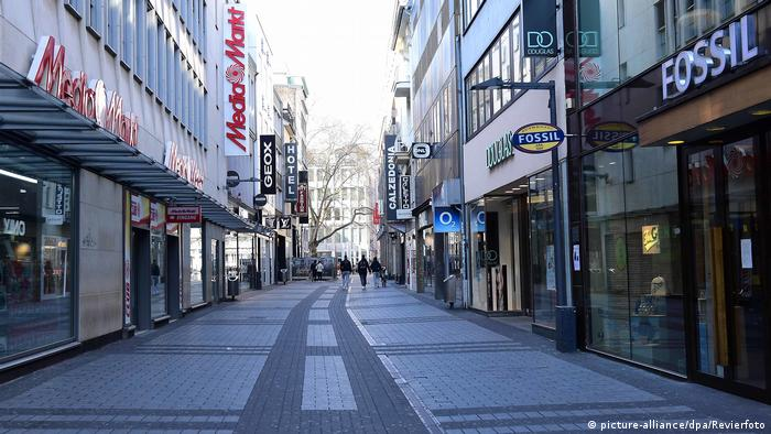 Empty streets and empty stores are bad for business. Here Cologne during the coronavirus crisis
