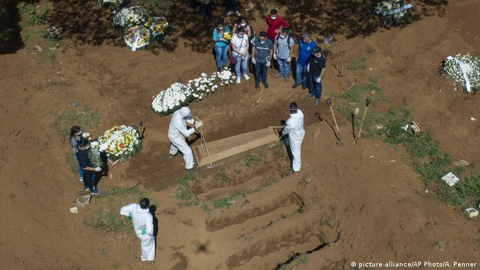 El mayor cementerio de Latinoamérica, el de Villa Formosa, en las afueras de Sao Paulo, sin tumbas libres.
