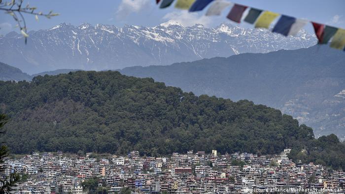 COVID-19 Ausganggsperre In Nepal - Kathmandu (picture-alliance/NurPhoto/N. Maharjan)