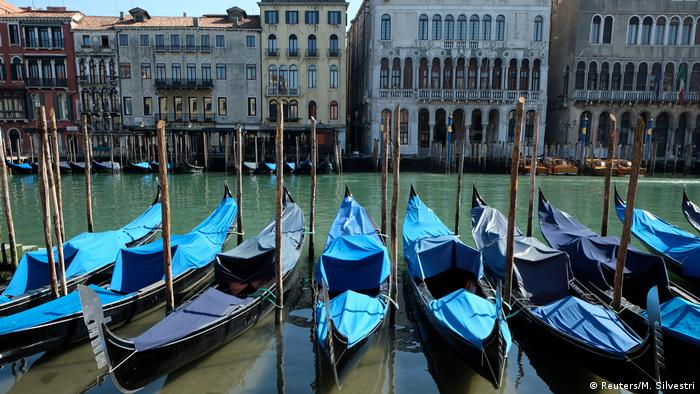 Italien Corona-Pandemie   Gondeln in Venedig (Reuters/M. Silvestri)