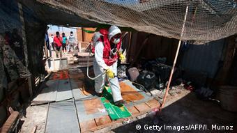 Chile Huara | Coronavirus | Menschen aus Bolivien (Getty Images/AFP/I. Munoz)