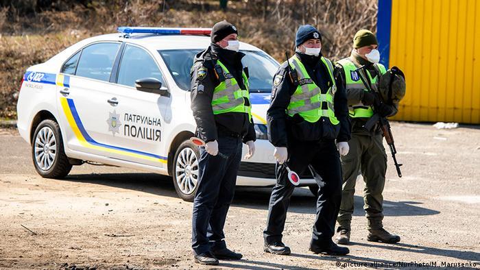 Карантинні заходи в Україні можуть послабити лише в травні, прогнозує Денис Шмигаль