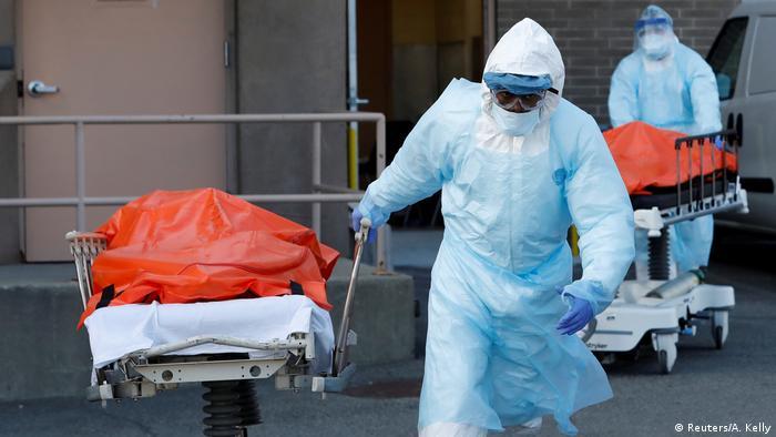 يقترب عدد الوفيات في الولايات المتحدة من العشرة آلاف حالة