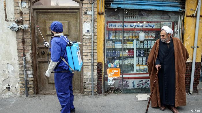Iran Ghom   Coronavirus   Haschd asch-Schabi, Desinfektion durch Milizen