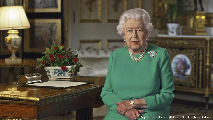 Großbritannien | Coronavirus | Ansprache Königin Elizabeth II. (picture-alliance/AP Photo/Buckingham Palace)