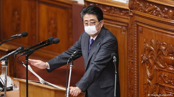 Japan Ministerpräsident Shinzo Abe im Parlament (Imago Images/Aflo)