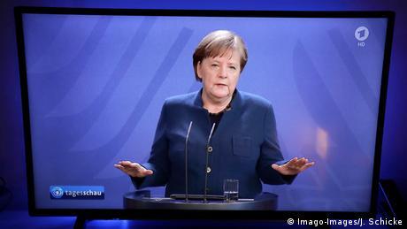 Απογείωση Μέρκελ στις δημοσκοπήσεις - παρέμβαση Σόιμπλε