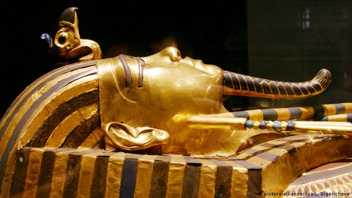 Sarcophagus of Pharaoh Tutankhamun (picture-alliance/dpa/L. Gigerichova)