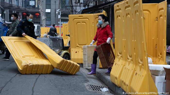 China Wuhan Rückkehr zur Normalität (picture-alliance/dpa/AP/Ng Han Guan)