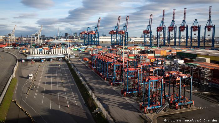 HHLA Container Terminal Hamburg Hafen Deutschland