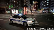 Serbien Belgrad | Coronavirus | Polizeikontrolle