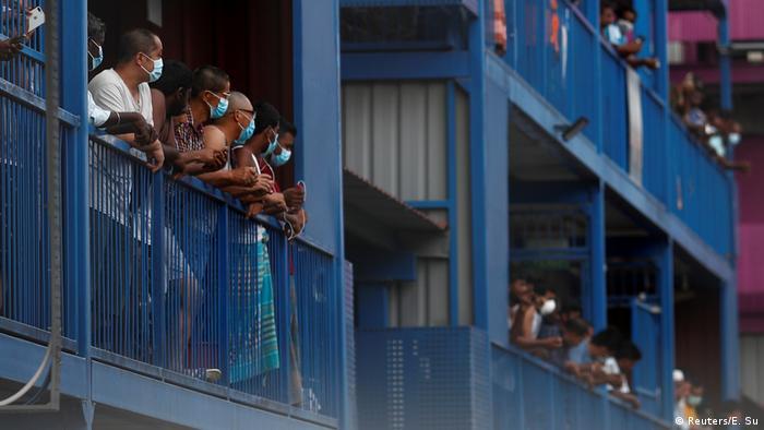 (Reuters/E. Su)