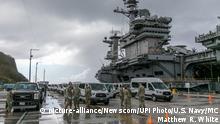 USS Theodore Roosevelt an Land zur Quarantäne
