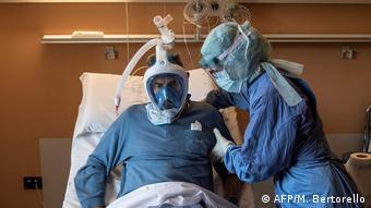 Оказание помощи больному COVID-19 в одной из больниц Турина