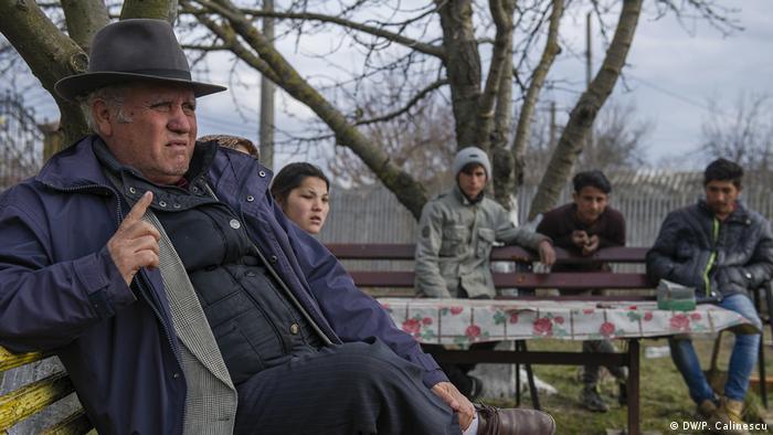 Petre Traian Drăgușin, einer der informellen Anführer der Roma-Gemeinschaft in Strachina